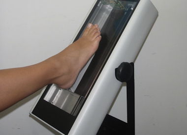 1. Scan your customer's foot